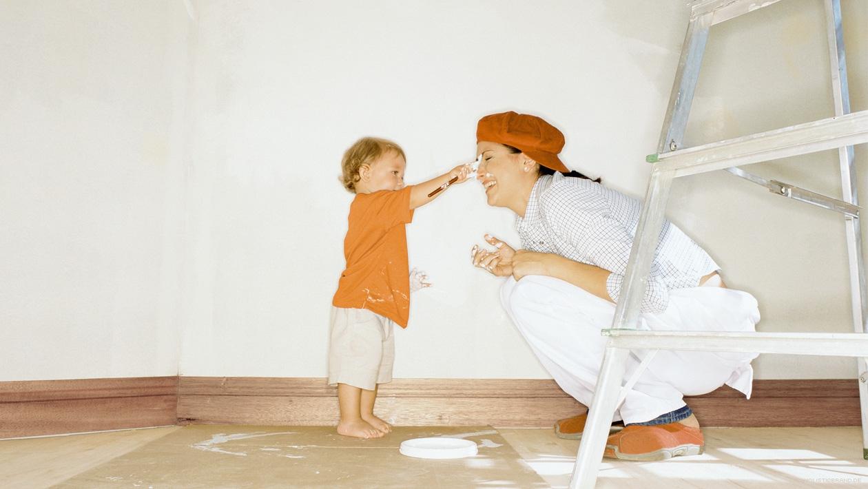 Foto einer Mutter-Kind-Szene in markentypischer Färbung